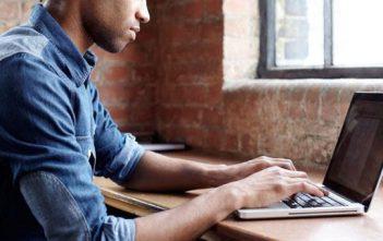 العمل عبر الانترنت من المنزل